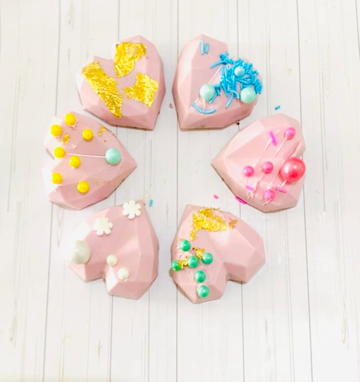 tutoriel cœur 3 D diamant en candy melt ou chocolat façon cake pop coloré